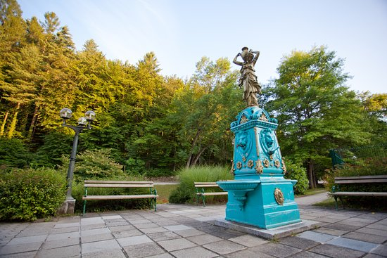 Smarjeske Toplice, Słowenia: Cast iron fountain from the second half of the 19th century is located in the spa park.