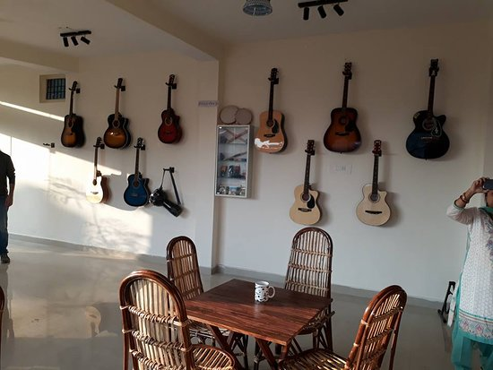Strings cafe: Heaven for music lovers