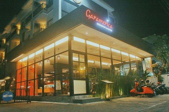Exterior Photo Foto Garamerica Restaurant Lounge Kuta Tripadvisor
