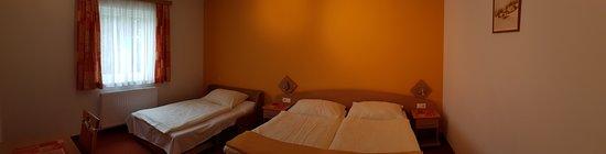 Sankt Kathrein am Hauenstein, Αυστρία: Dreibettzimmer