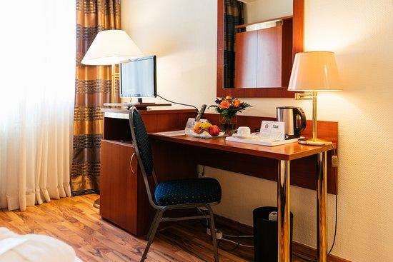 hotel excelsior francfort allemagne voir les tarifs 17 avis et 665 photos. Black Bedroom Furniture Sets. Home Design Ideas