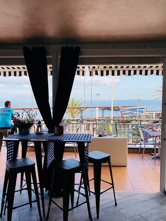 Bocaditos & Mar: la vista desde el local