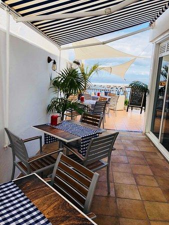 Bocaditos & Mar: posti a sedere all'esterno