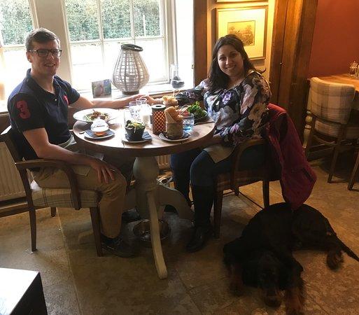 Brook, UK: Me and my boyfriend enjoying a wonderful dinner with the dog