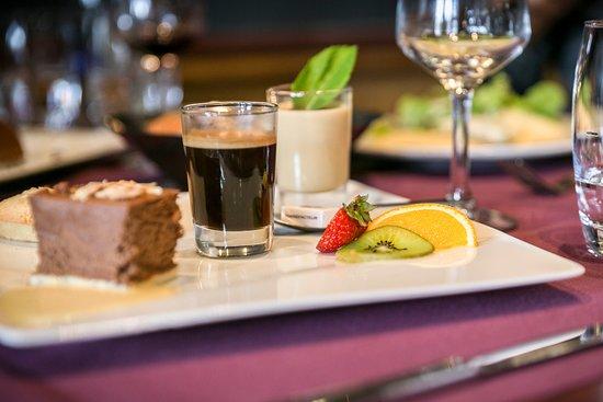 Restaurant Le Castel - Brit Hotel Rennes: Café gourmand