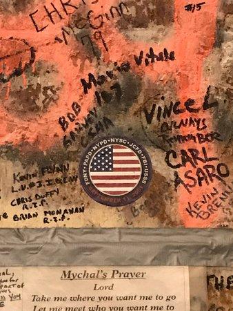 9/11 Tribute Museum Admission Ticket: Beschriebener Pfeiler