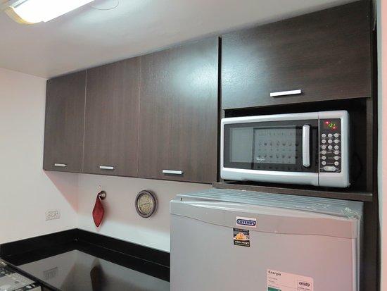 Tre Design Apartments: cocina completa
