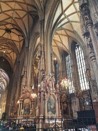 Catedral de Santo Estêvão: 20180522_125355_large.jpg