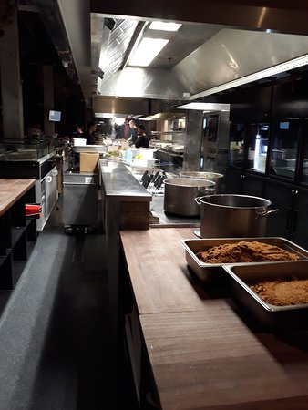 Amano: Cooking area