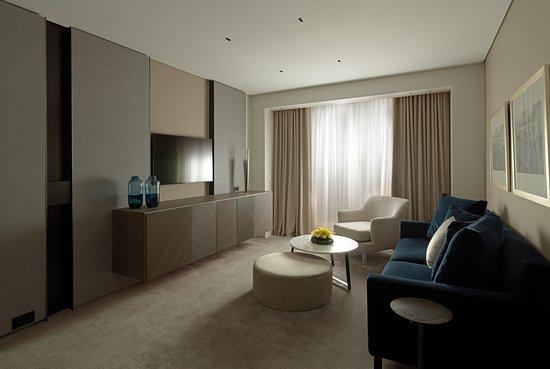 NJV Athens Plaza Suite