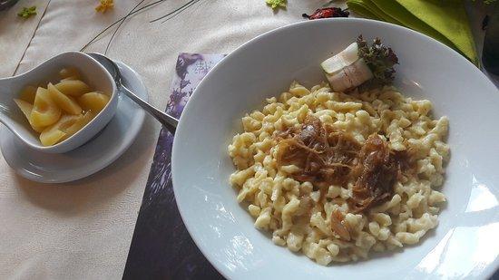 Lyss, Switzerland: Kalbssteack, Wolfsbarsch, warmes Schoggichüechli, Black Angus....