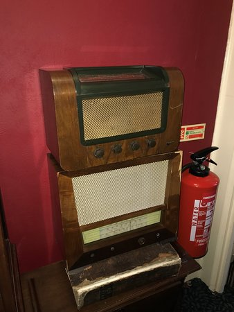 Walpole Bay Hotel: A 1920s radio on our landing