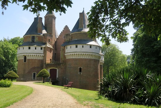 Le château de Rambures.