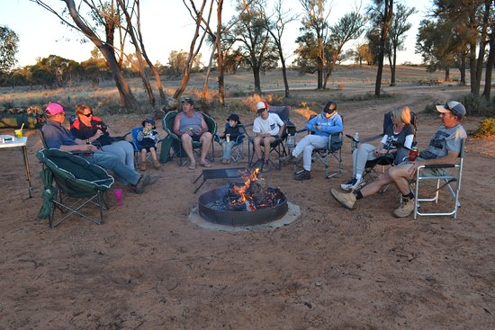 Mallee Tours: Camp tour