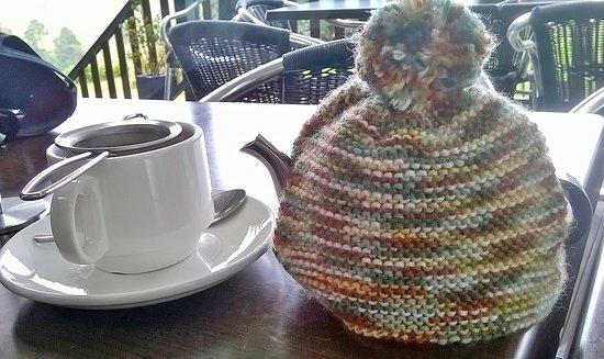 The Falls Teahouse: Leaf tea and teapots