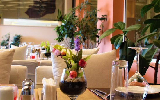 Home Suites Boutique Hotel: Swan restaurant & Grill