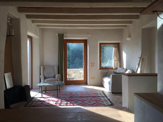 Seggiano, Italia: Area soggiorno