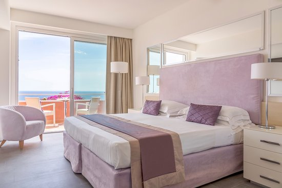 Crystal Sea: Renovated superior rooms