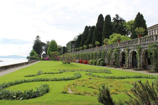 Palazzo Borromeo: Garden