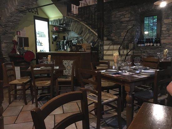 Osteria Vecchio Mulino: inside