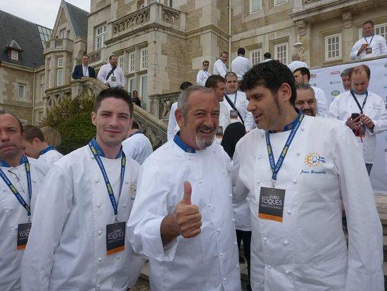 Formentera Del Segura, สเปน: Con el gran cocinero Karlos arguiñano y mi compañero.Maxi Bernabé...