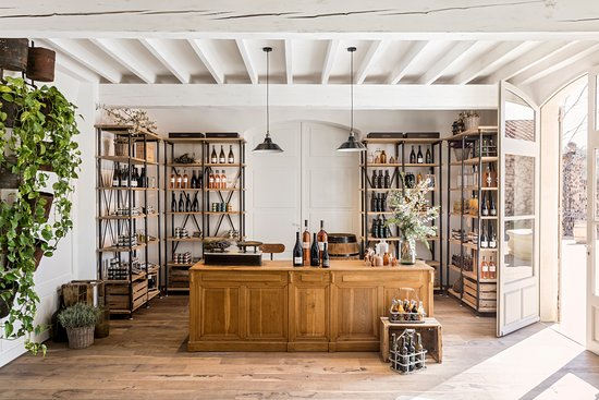 Puget, Francja: Epicerie, découverte de notre huile d'olive du domaine