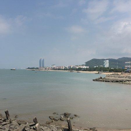 Kulangsu Huandao Road: Wide sea view and close to city centre