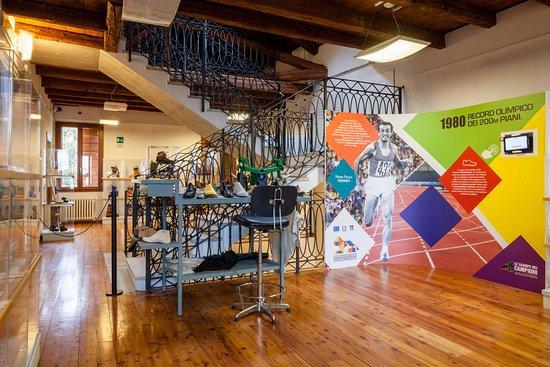 Museo dello scarpone e della calzatura sportiva