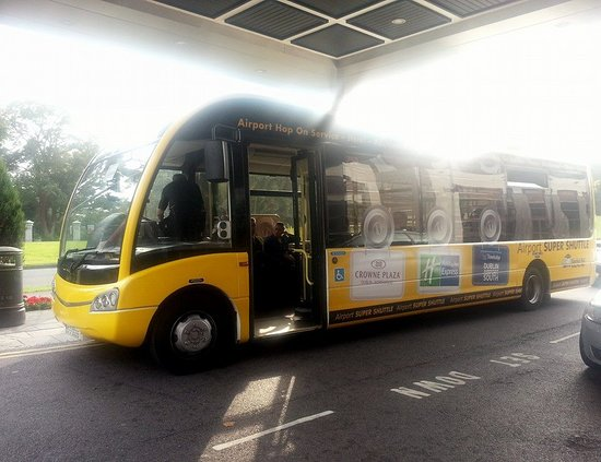 Crowne Plaza Hotel Dublin Airport: Hotel Airport Shuttle Bus
