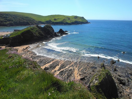 Hope Cove, UK: View from the nearby coastal path well worth the climb