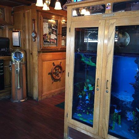Quinn's Lighthouse Restaurant and Pub: photo2.jpg