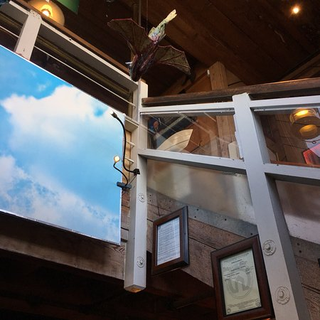 Quinn's Lighthouse Restaurant and Pub: photo3.jpg