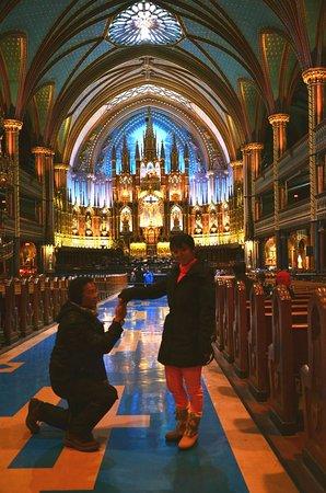Notre Dame des Bois, Canada: Seperti dalam dongeng gereja nya indah sekali