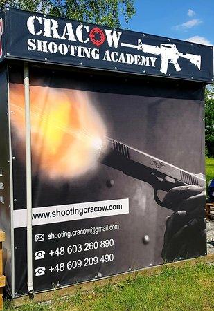 MP5 - AK 47 - AR 15 - Shotgun - UZI - Glock - Revolver