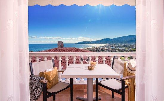 Hotel Maistrali: Balkon mit Zimmeraussicht