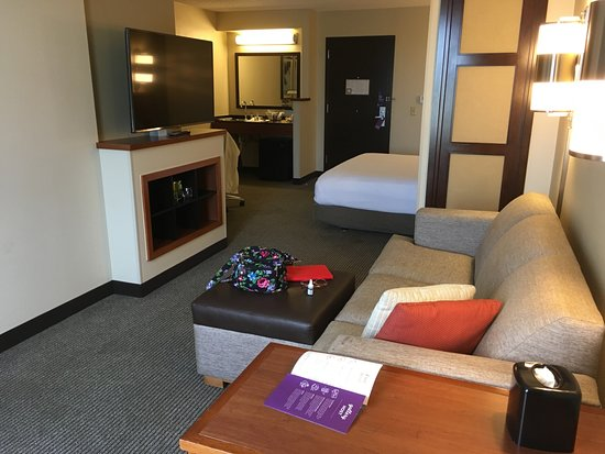 Hyatt Place Dallas/Arlington: Very comfortable room & bed