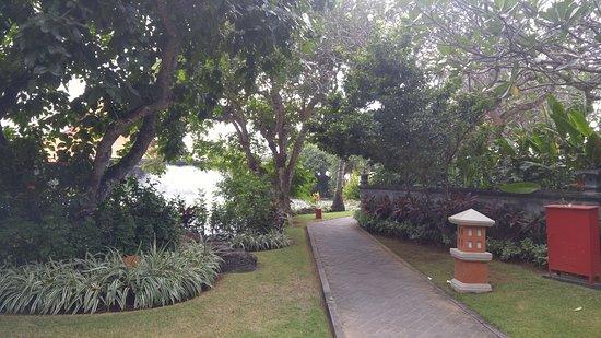 Ayodya Resort Bali: Hotel territory