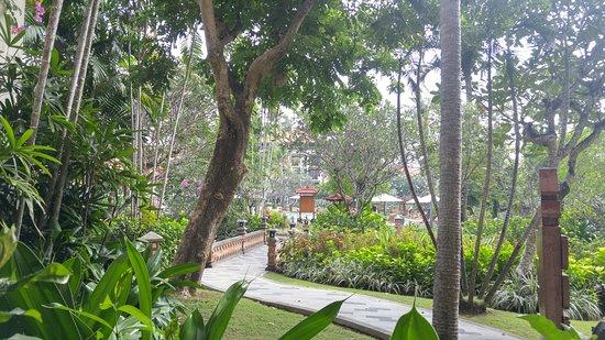 Ayodya Resort Bali: Inner garden