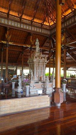 Ayodya Resort Bali: Old bathroom fixtures