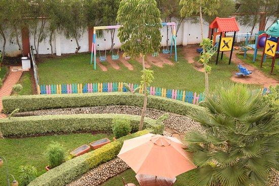 Meru Town, Kenya: Kids Corner (Playground)
