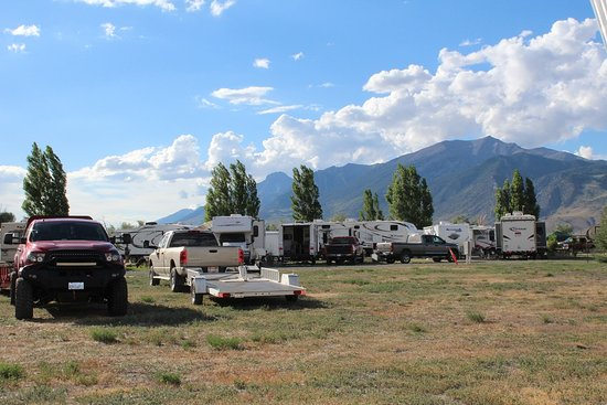 Mackay, ID: RV sites with overflow parking