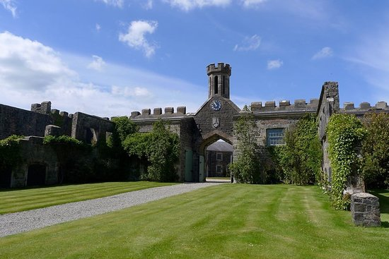 Ballymena, UK: Lissanoure Castle with Lake views