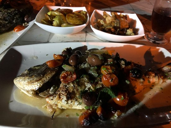 Senglea, مالطا: Fresh Seabream/Awrata