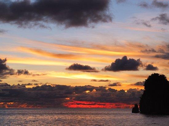 RITC - Rock Island Tour Company - Day Tour in Palau: サンセットディナークルーズ2