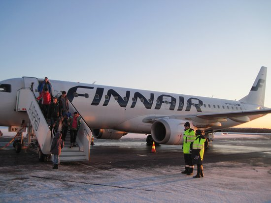 Finnair: Leaving the plane in Kuusamo airport - just a few steps to the airport building...