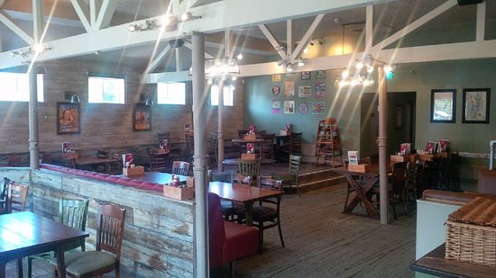 CookHouse Pub & Carvery: Dining area