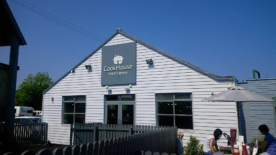 CookHouse Pub & Carvery: Outside