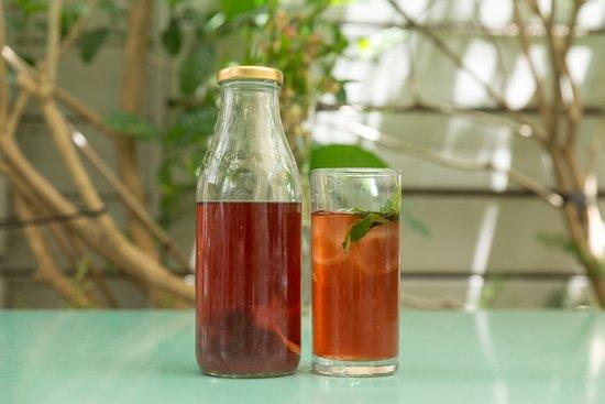 Jonesy Gardener: tea
