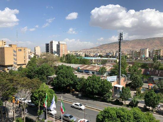 Tabriz International Hotel: front facing room