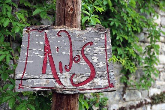 Dilofo, Grecja: cartel en la entrada del restaurante